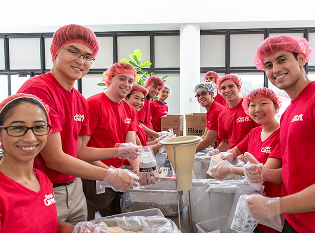 Houston volunteers pack meals for Rise Against Hunger